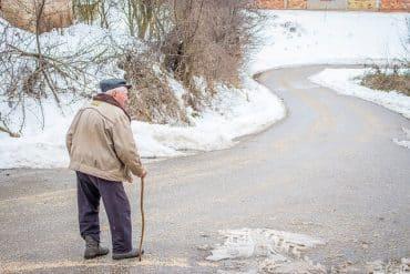 Personne âgée se fragilise