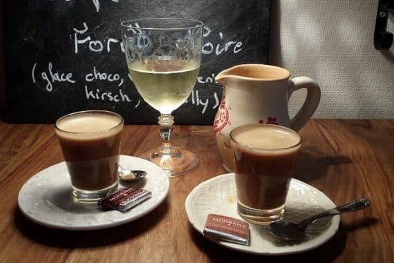 consommation modérée de vin et de caféïne