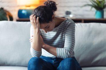 Exposé au stress et à l'épuisement, cet aidant familial fait un burn out