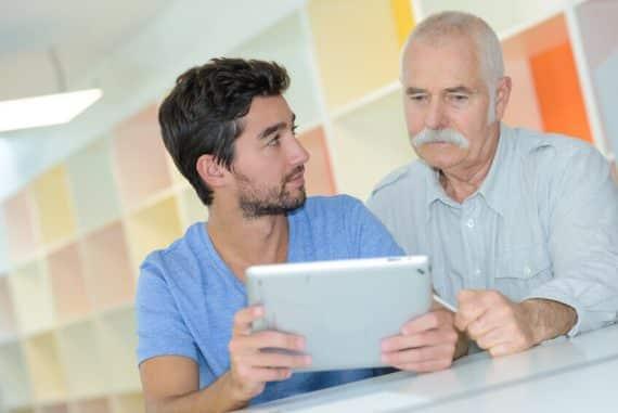 s'occuper des personnes âgées pendant les vacances