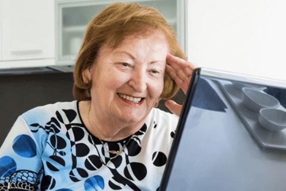 Internet chez les personnes âgées