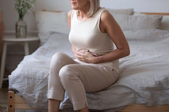Syndrome du côlon irritable : causes, symptômes & traitements