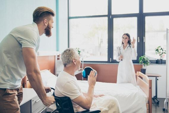 Tout savoir sur l'aide au retour à domicile après hospitalisation (ARDH)