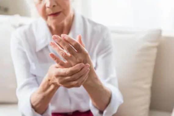Boswellia pas cher - Arthrite et rhumatismes : définition, symptômes, traitements ...