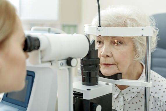 Glaucome : symptômes, causes & traitements
