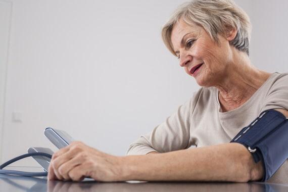 prévenir l'hypertension artérielle chez les seniors